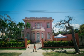 March 5-12, 2017 - Boston, MA. The Miramar neighborhood of Havana. 2017 Alternative Spring Break in Havana, Cuba. Photographed by Janice Checchio for Boston University.